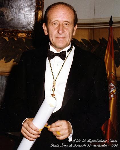 Ingresó el 22 de noviembre de 1994 con el discurso titulado Xerostomía. Síndromes de boca seca. Fue contestado por el Excmº. Sr. D. Amador Schüller Përez.