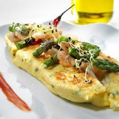 Rolled Omelette With Prawns, Asparagus, And Mushrooms