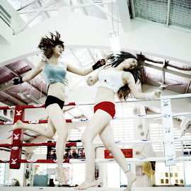 Kick Boxing by Cao Phong - Sports & Fitness Boxing ( kick boxing, kick, boxing girls, sports, beauty in boxing, boxing,  )