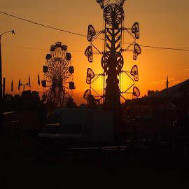 by Rachelle MacDonald - City,  Street & Park  Amusement Parks