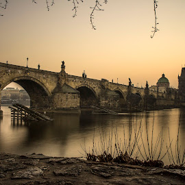 Morning In Karluv Most Bridge Prague by Banar Fil Ardhi - Buildings & Architecture Bridges & Suspended Structures ( history, landmark, building, vacation, karluv most, sunrise, architecture, bridge, morning, prague, charles bridge )