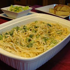 Ricotta Fettuccine Alfredo with Broccoli