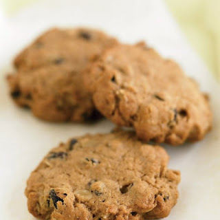 Chewy Low Fat Banana Nut Oatmeal Cookies...