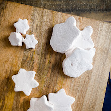 Homemade Manischewitz-flavored Marshmallows