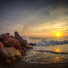 Mexican Sunset by Habashy Photography - Landscapes Sunsets & Sunrises ( mexico, sunset, waves, beach )