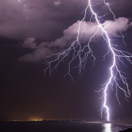 Stacatto outta nowhere by Simon Angell - Landscapes Weather ( port kembla, pentax k5, lightning, nsw, angellscapes )
