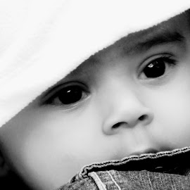 eyes speaks everything about his cuteness... by RJ Mishra - Babies & Children Babies ( child, babies, children, kids, baby, cute, babies and children, kid )