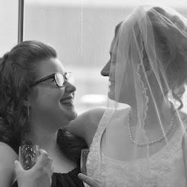 Sisters by Sandy Darnstaedt - Wedding Getting Ready (  )