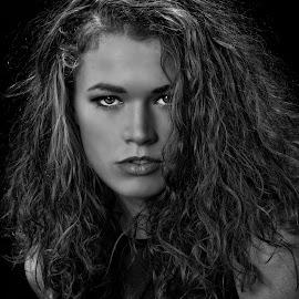 Portrait BW by John Phielix - Black & White Portraits & People