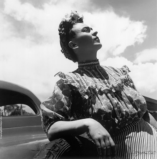 <p> &nbsp;Frida Kahlo by Leo Matiz 1946</p>