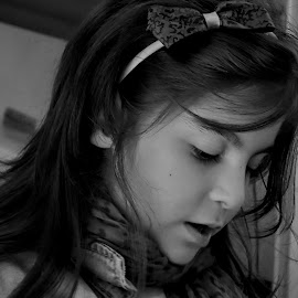 A girl by Dragana Jankovic - Babies & Children Children Candids ( girl, child portraits, b & w, candid,  )