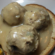Ruth's German Boiled Meatballs and Gravy