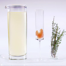 Pink Grapefruit and Thyme Bellinis