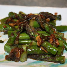 Stir Fried Broccoli With Ginger and Hoisin Sauce