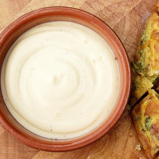 Spanish-style Allioli (Olive Oil and Garlic Mayonnaise)
