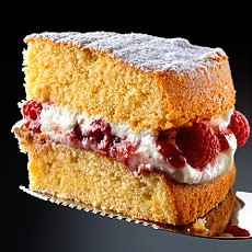 All-in-one Sponge Cake with Raspberry and Mascarpone Cream