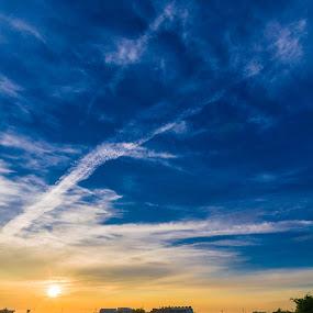Sunrise by Jay Chen - Landscapes Sunsets & Sunrises ( dawn, sunny, sunrise, daybreak, sunlight )