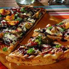 Flatbread with Fresh Figs, Monterey Jack, Blue Cheese and Red Wine Reduced Vinaigrette