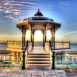 Brighton Bandstand by Paul Jenking - Novices Only Landscapes