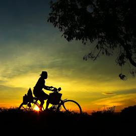 ngoyak bakule manuk by Arie Dexz - Transportation Bicycles