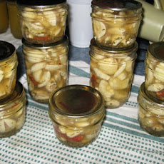 Pickled Garlic (Canning)
