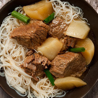 Chinese Brisket and Turnip Stew