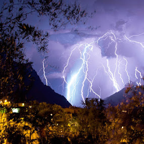 Thunderstruck by Luka Milevoj - News & Events Weather & Storms ( lake garda, italy )