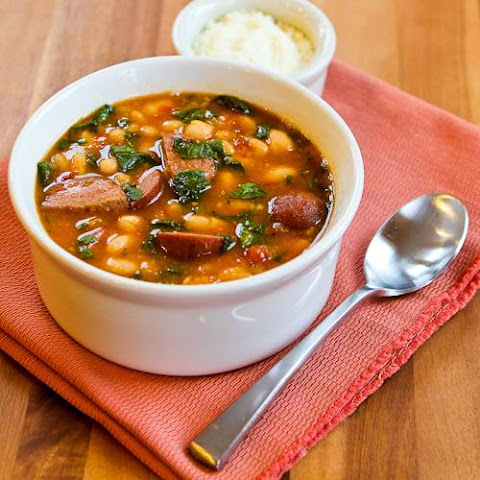 Slow Cooker Kielbasa and White Bean Stew with Tomatoes and Spinach