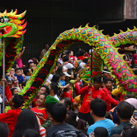 Dance of the Dragon  by Maki Sumawijaya - News & Events World Events ( cap go meh )