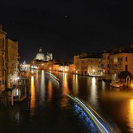 Venice by Tsveta Uzunova - City,  Street & Park  Night ( venise )