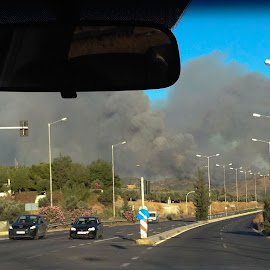 fire in thehills by Vibeke Friis - News & Events Disasters ( smoke, fire )