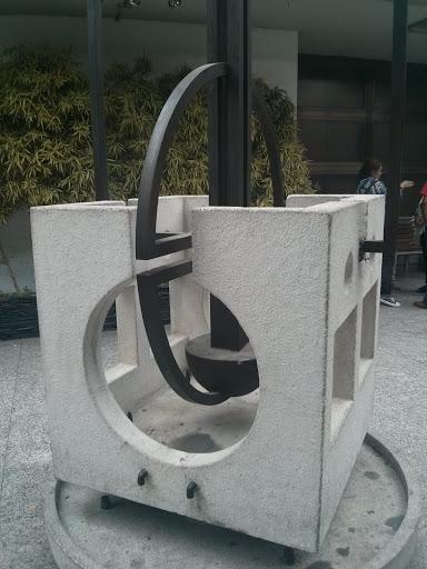 Escultura En El Tanatorio