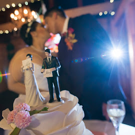 Love Story by Yansen Setiawan - Wedding Reception ( cake, creative, art, losangeles, illusion, wedding cake, love, kiss, fineart, yansensetiawanphotography, prewedding, d800, wedding, lifestyle, la, photographer, yansensetiawan, nikon, yansen, engagement )