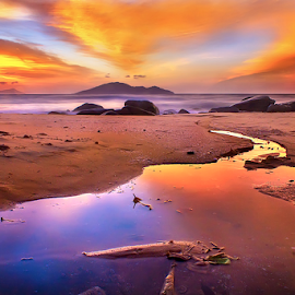 Golden reflection by Dany Fachry - Landscapes Beaches