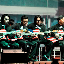 Patriotic Acoustic Guitar by Zul Fadli - News & Events Entertainment