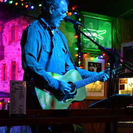 Open Mic by Jan Herren - People Musicians & Entertainers ( tradewinds lounge, st. augustine, open mic, guitar player, rusty menshouse )