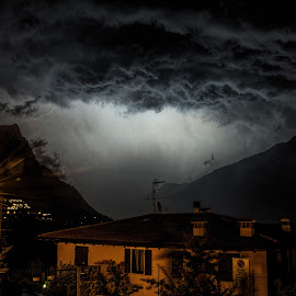 thunderstruck by Luka Milevoj - News & Events Weather & Storms ( garda, lagodigarda, sul, lake garda, italy, limone )