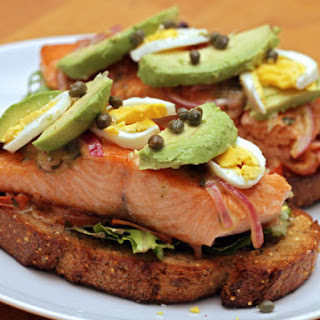Open-Faced Salmon Sandwich with Sweet Mustard Sauce