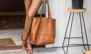 Vài lưu ý chọn các mẫu túi xách đẹp rẻ trực tuyến