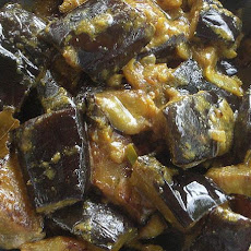 Sri Lankan Eggplant (Aubergine) Curry