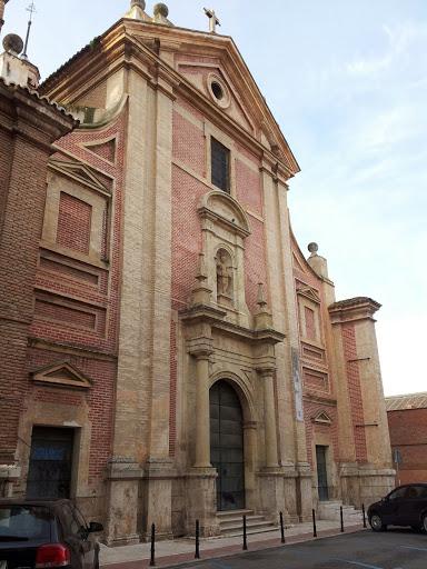 Iglesia San José de Caracciolos