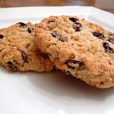 Chewy Oatmeal-Raisin Cookies