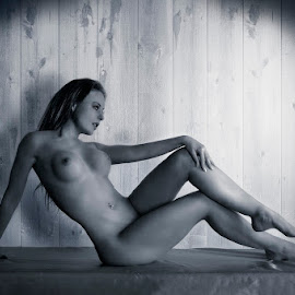 elegance by Catchlights Fotografie - Nudes & Boudoir Artistic Nude ( nude, wood, elegance, table, toned, sensual, sit, breast, naked, woman, legs, tits, athletic )