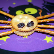 Spider Pretzels (Halloween Lunch Box Surprise)