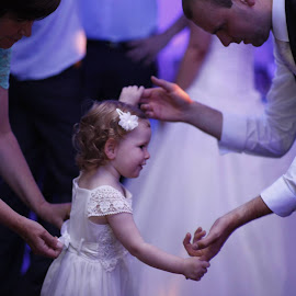 Dancing with Daddy by Leyla Jase - Wedding Groups ( daddy daughter dancing )