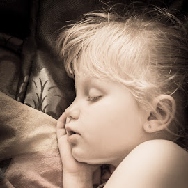 Dreaming by Dennis Graafland - Babies & Children Child Portraits ( dreaming, child, girl, peace, sleeping )