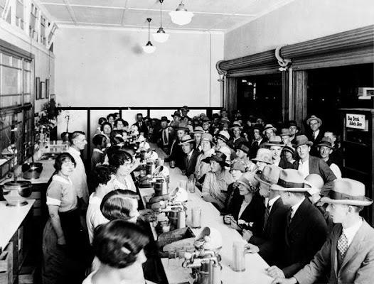 Juice Bar, 1926
