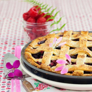 Peddler's Village & Homemade Bumbleberry Pie