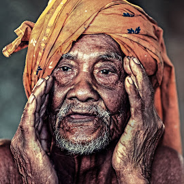 by Si Jebat - People Portraits of Men