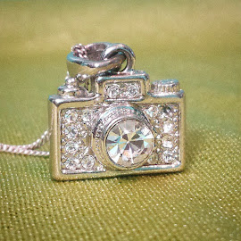 camera necklace by Michelle Vinnacombe - Instagram & Mobile Android (  )